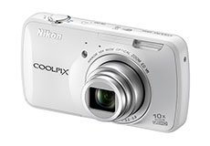 The Nikon Coolpix S800c: the camera that's almost a smartphone
