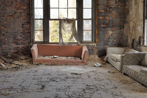 9 Tips for Perfect Urban Decay Photography