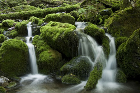 How To Make Waterfalls Look Blurred In A Photo :: Digital Photo Secrets